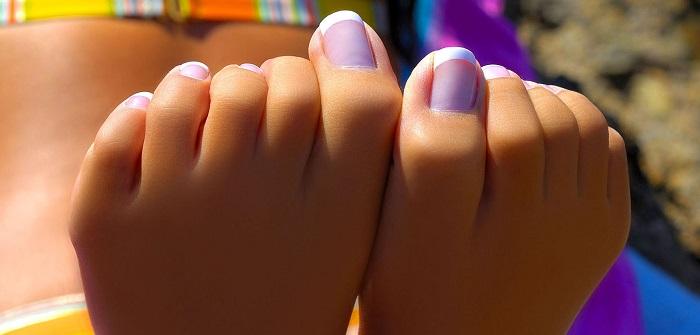 Сжать пальцы ног в кулак